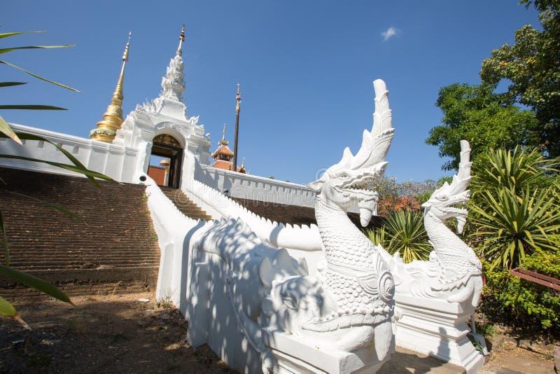 Wat PongSanuk em Lampang, Tailândia imagens de stock