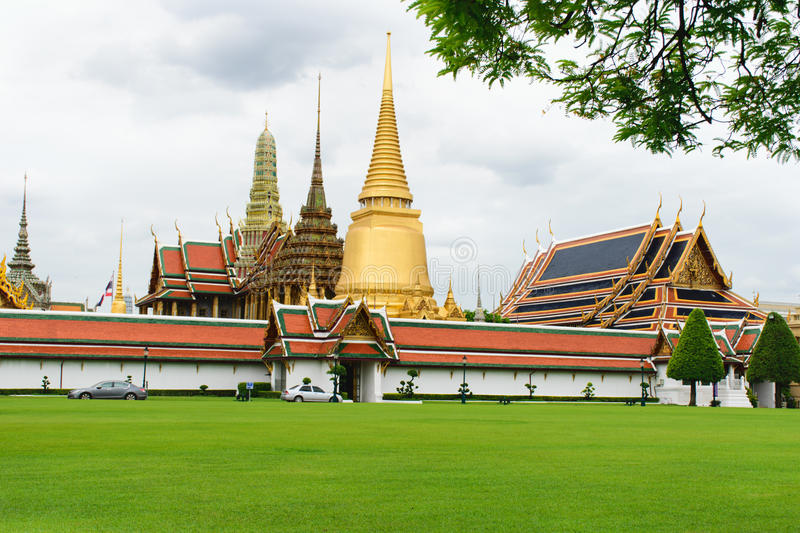 WAT PRA KAEW Temple of bangkok stock photo