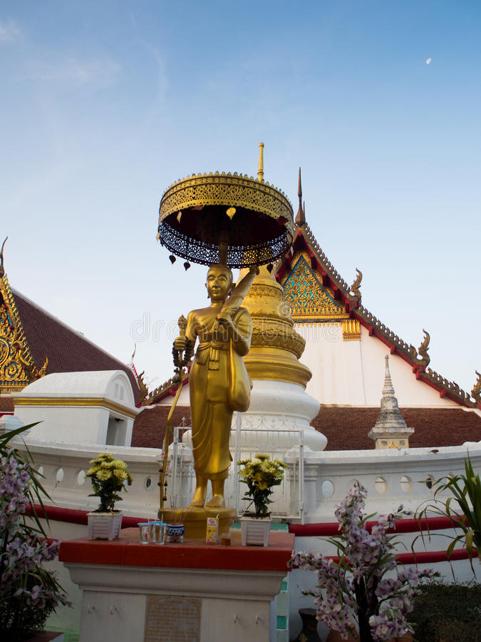 Wat Pranonjaksi, Bouddha étendu, Singburi, Thaïlande photos libres de droits