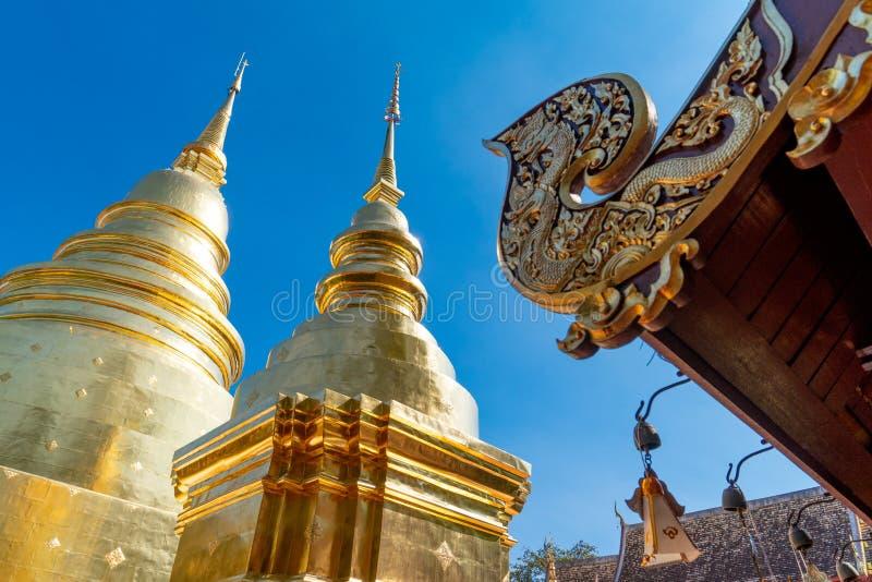 Wat Prasing寺庙的金黄塔在清迈,泰国 免版税库存图片