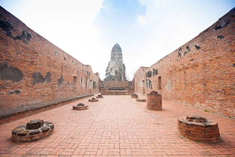 Wat Ratburana看法在阿尤特拉利夫雷斯,泰国 免版税图库摄影