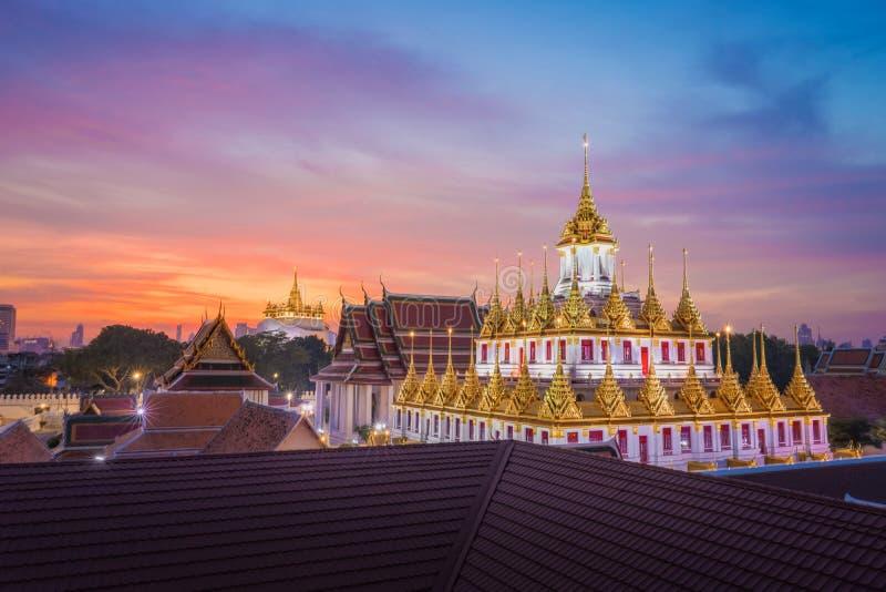 Wat Ratchanadda & Wat Saket i Bangkok Thailand arkivbilder