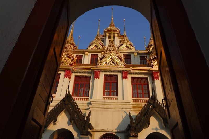 Wat Ratchanatdaramn, Bangkok, Tailandia imagen de archivo libre de regalías