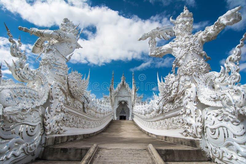 Wat Rong Khun (белый висок), Chiang Rai, Таиланд стоковое изображение rf