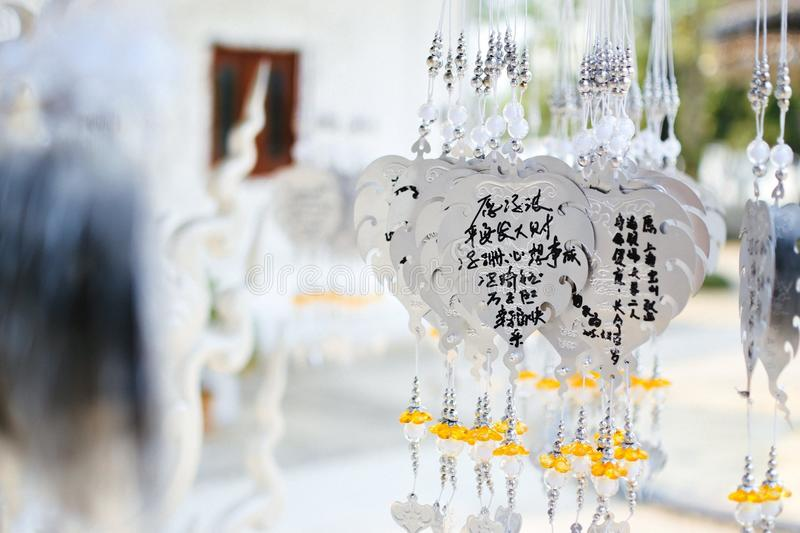 Wat Rong Khun Prayers royaltyfri bild
