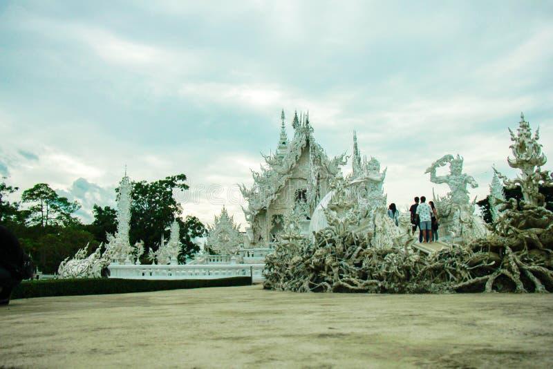 Wat Rong Khun, Religion und Kunst lizenzfreies stockbild
