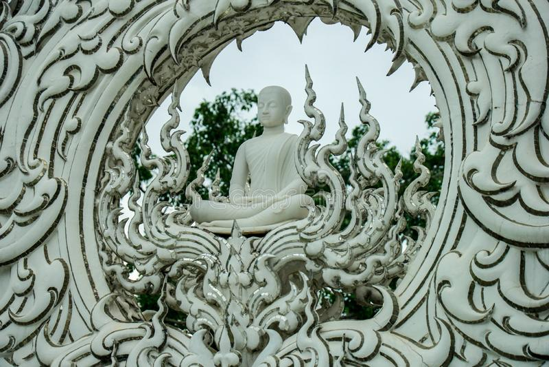 Wat Rong Khun, Religion und Kunst stockbild