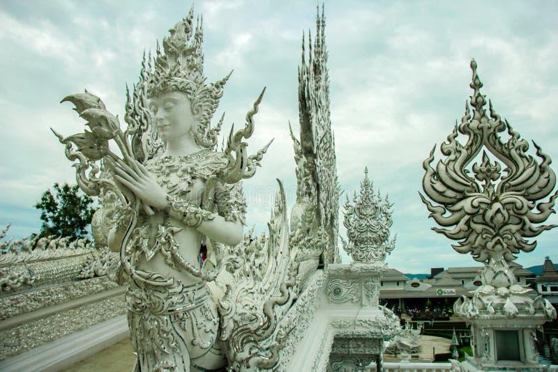 Wat Rong Khun, Religion und Kunst lizenzfreie stockfotografie