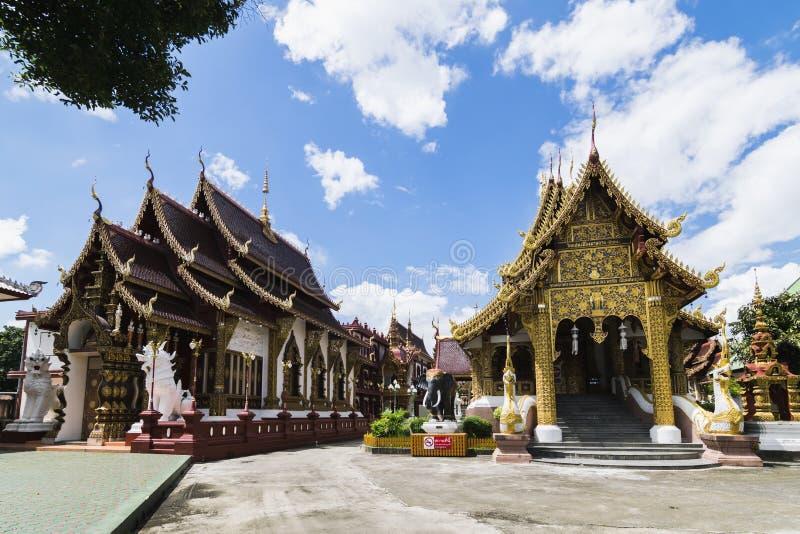 Wat Saen Muang Ma Luang eller Wat Hua Khuang i Chiang Mai, Thailand royaltyfri bild