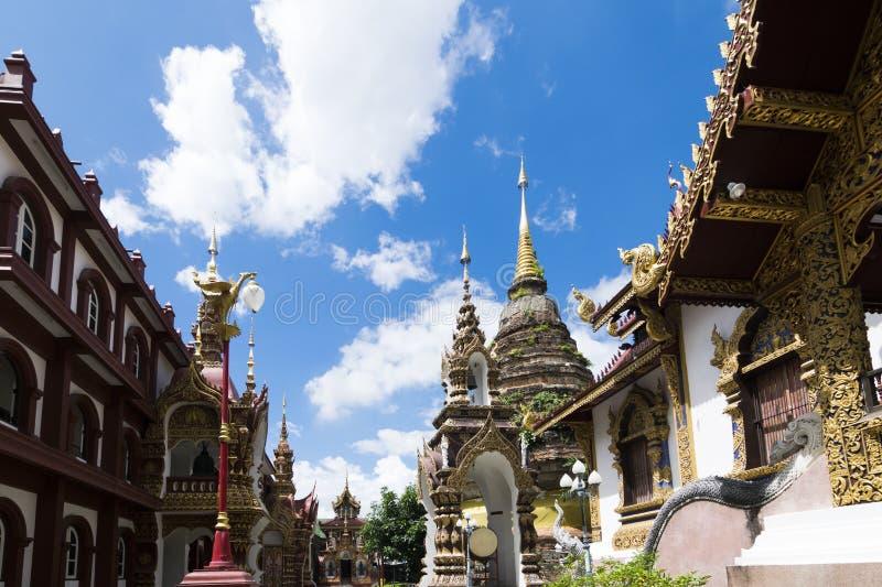Wat Saen Muang Ma Luang eller Wat Hua Khuang i Chiang Mai, Thailand royaltyfri fotografi