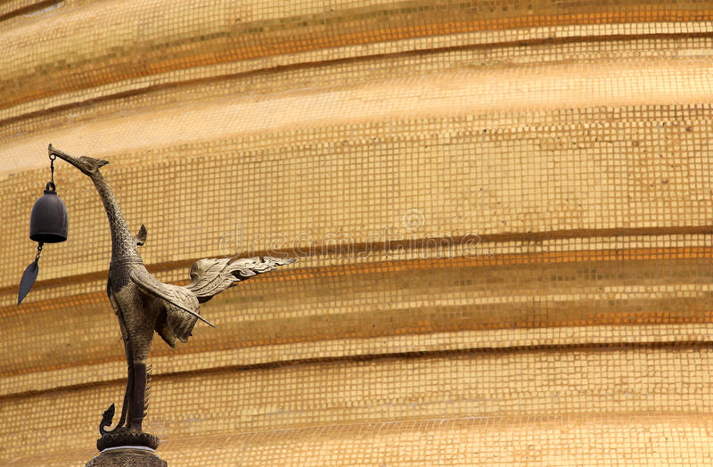 wat saket держателя bangkok золотистое стоковые фото