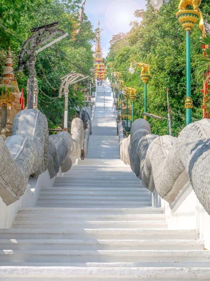 Wat Sangkat Rattana Khiri, Uthai Thani, Tailândia fotografia de stock