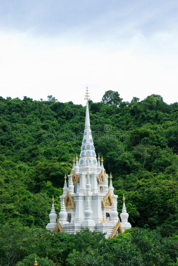 Wat Santi Khirikhet em Tailândia imagem de stock