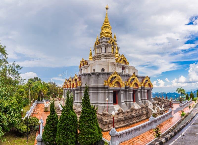Wat Santikhiri Temple på Doi Mae Salong, Chiang Rai arkivbilder