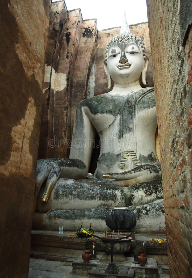 Wat Si Chum Sukhothai royaltyfria foton