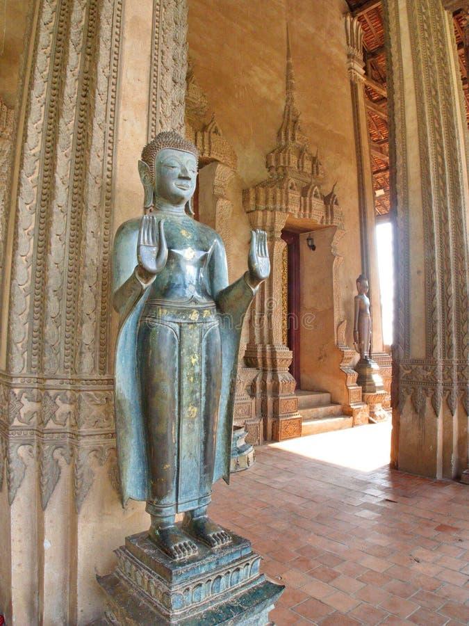Wat Si Muang eller Simuong är en buddistisk tempel som lokaliseras i Vientian arkivfoton
