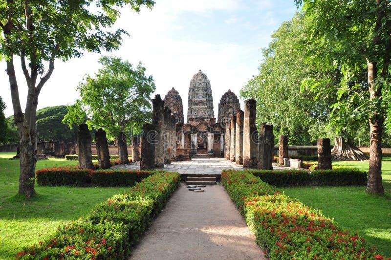 Wat Si Sawai är trädprangspagoderna som presenterar Lopben royaltyfria foton