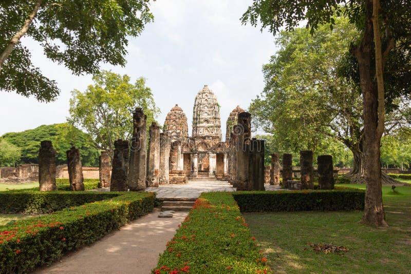 Wat Si Sawai Sri Savaya no templo grande do estilo do Khmer de Sukhothai A em Sukhothai imagem de stock royalty free