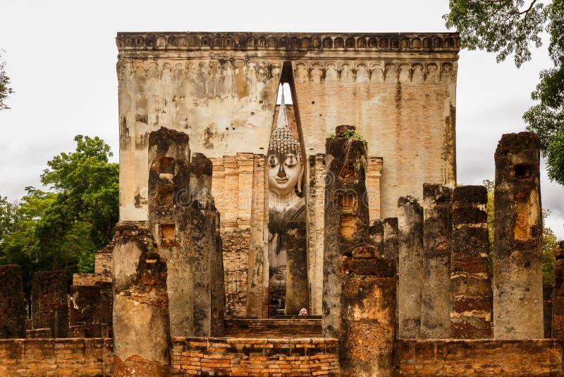 Wat Sri密友的大菩萨在Sukhothai历史公园,泰国 免版税图库摄影
