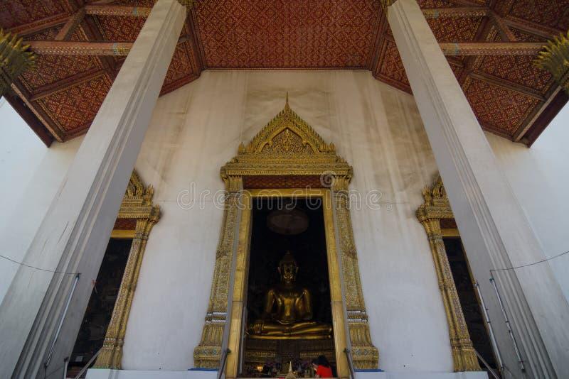 Wat Suthat Thep Wararam royaltyfria bilder
