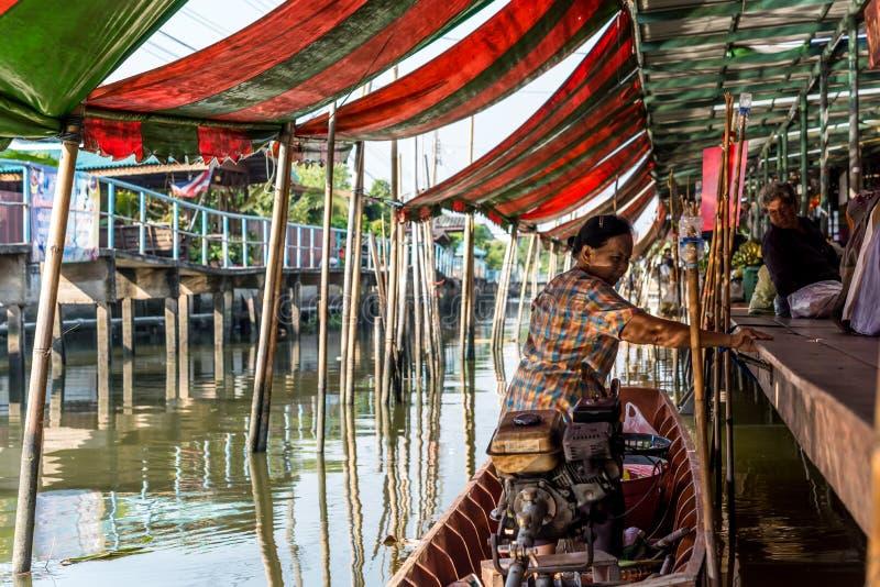 Wat Takien Floating Market em Nonthaburi Tail?ndia foto de stock