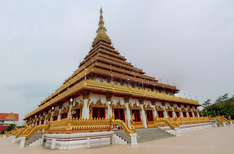 Wat thaïlandais de temple bouddhiste dans Khon Kaen, Thaïlande photographie stock