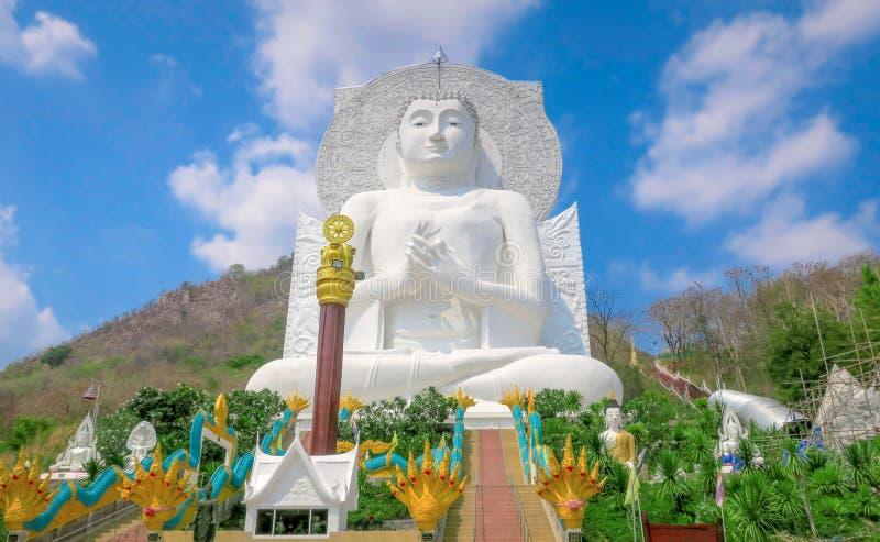 Wat Tham Phrathat Khao Prang, Lopburi, Tailandia imágenes de archivo libres de regalías