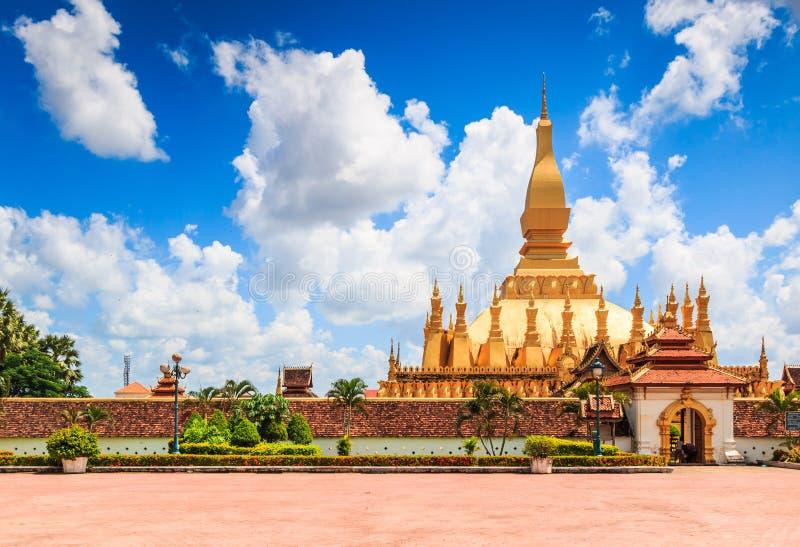 Wat Thap Luang nel Laos fotografie stock