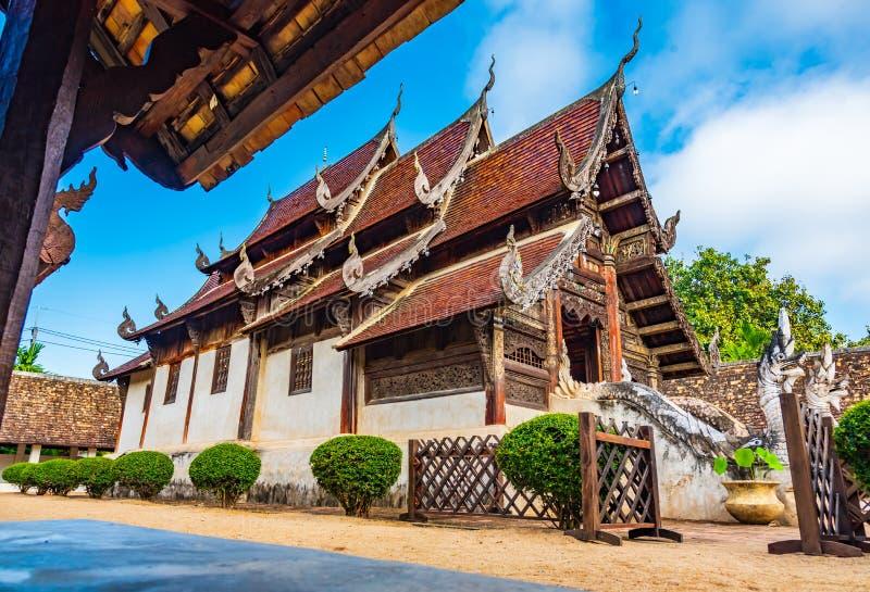 Wat Ton Kain, vecchio tempio fatto da legno fotografia stock libera da diritti