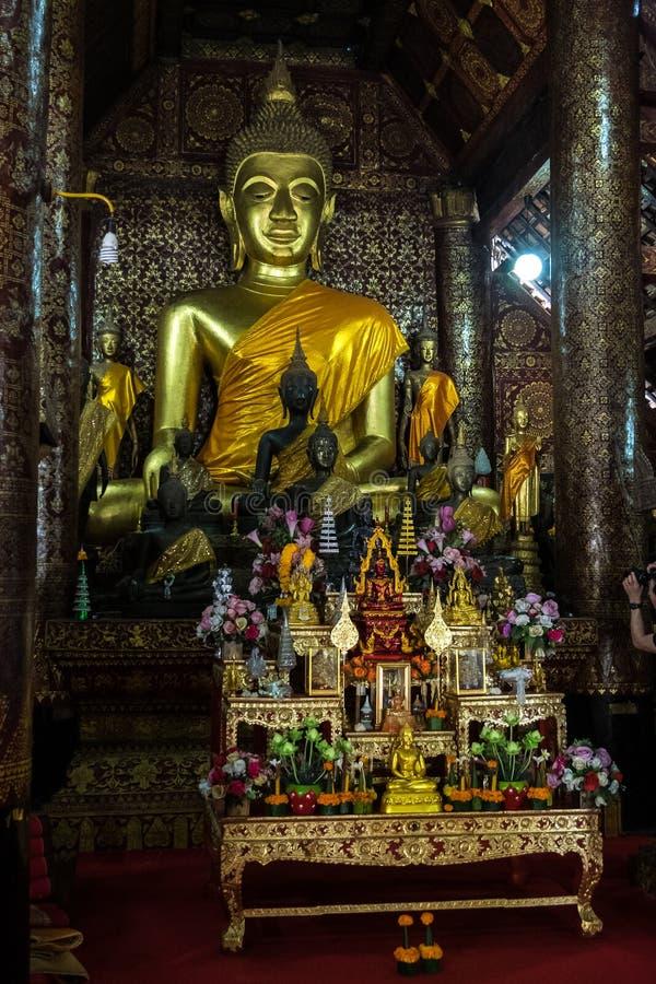 Wat Xieng Thong o el templo de oro de la ciudad en Luang Prabang, Laos imagen de archivo libre de regalías