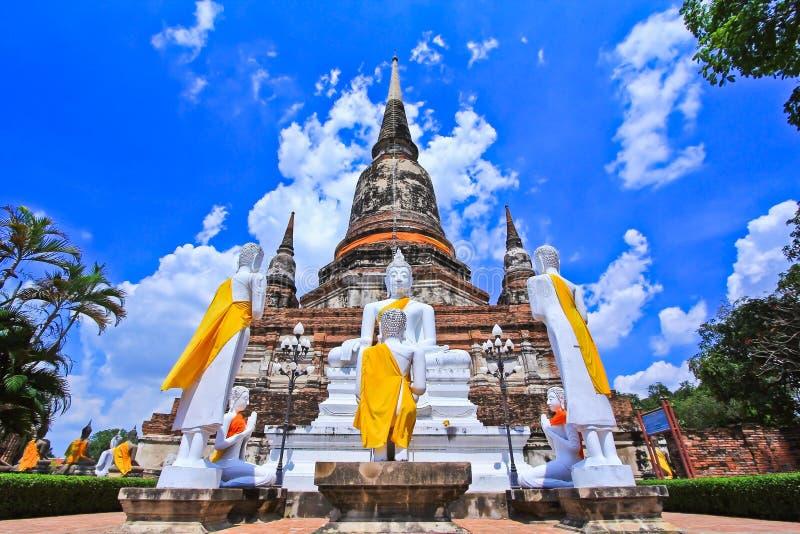 Wat Yai Chai Mongkhon i Thailand arkivfoton