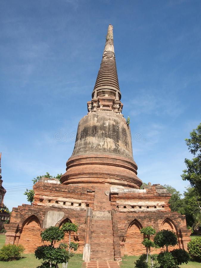 Wat Yai Chai Mongkol, расположено к юговостоку города стоковое фото rf