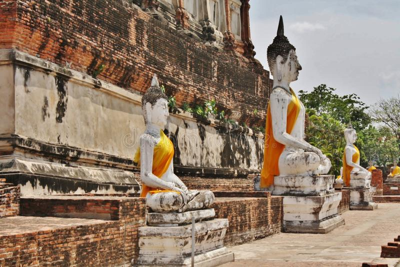 Wat Yai Chai Mongkol Ayutthaya, Thailand arkivfoton