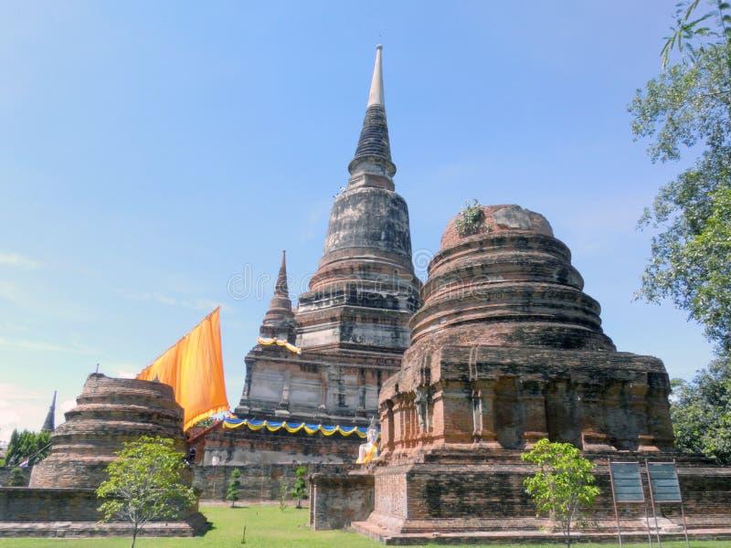 Wat Yai Chai Mongkol, est situé au sud-est de la ville images libres de droits