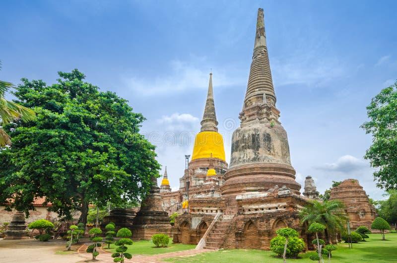 Wat Yai Chaimongkol lizenzfreie stockbilder