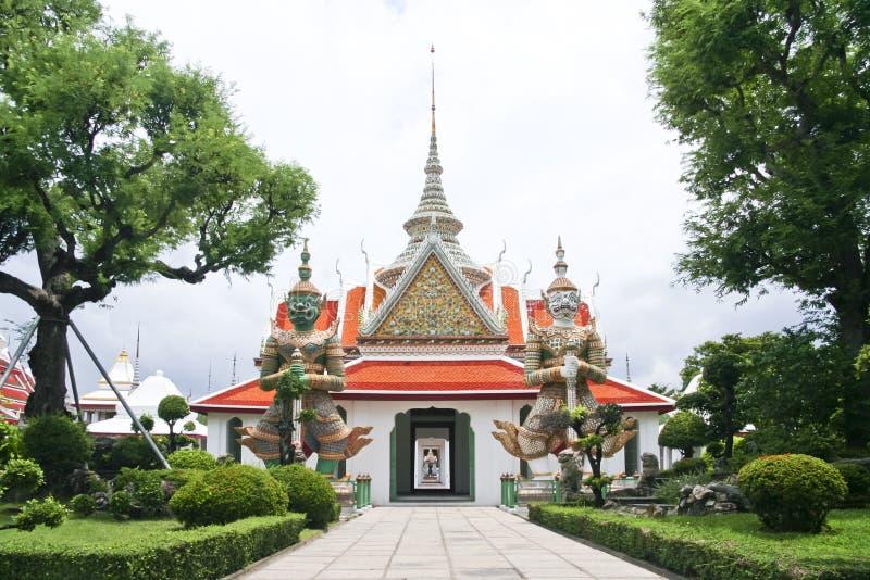 Wata arun świątynia jutrzenkowy Bangkok Thailand obraz stock