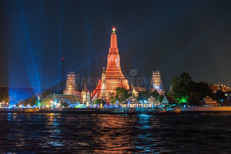 Wata arun, punkt zwrotny świątynia w Bnagkok także wezwania świątyni świt obrazy stock