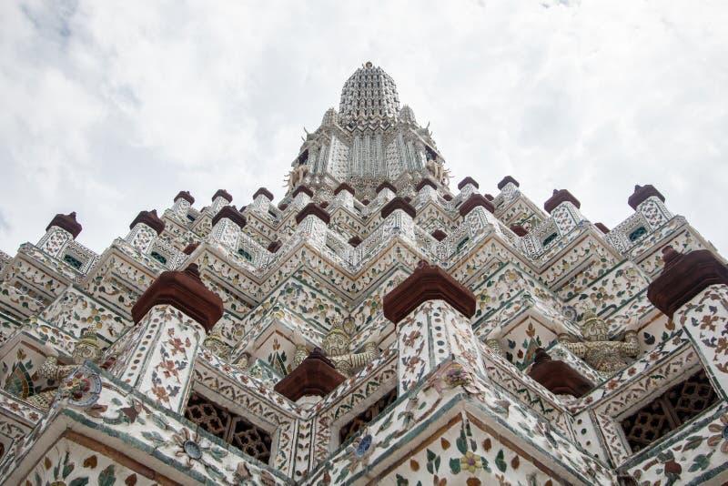 Wata Arun Ratchawararam Ratchawaramahawihan lub Wata Arun buddyjska świątynia świt sławny antyczny uroczysty pałac w Bangkok Tajl zdjęcie royalty free