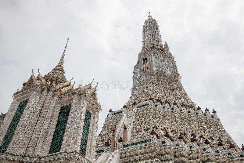 Wata Arun Ratchawararam Ratchawaramahawihan lub Wata Arun buddyjska świątynia świt sławny antyczny uroczysty pałac w Bangkok Tajl obraz royalty free