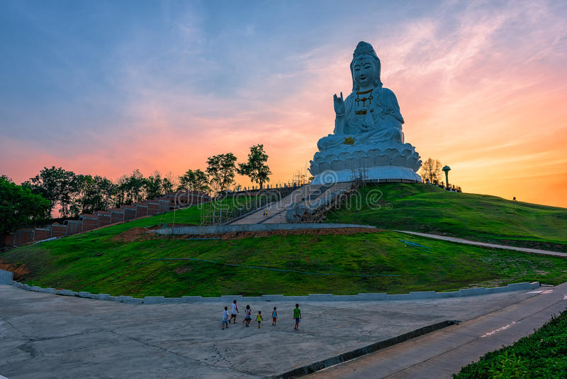 Wata Huai śliwki KungTemplein Chiang Raja, Tajlandia obrazy royalty free