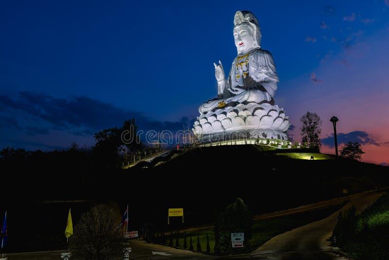 Wata Huai śliwki KungTemplein Chiang Raja, Tajlandia zdjęcie royalty free
