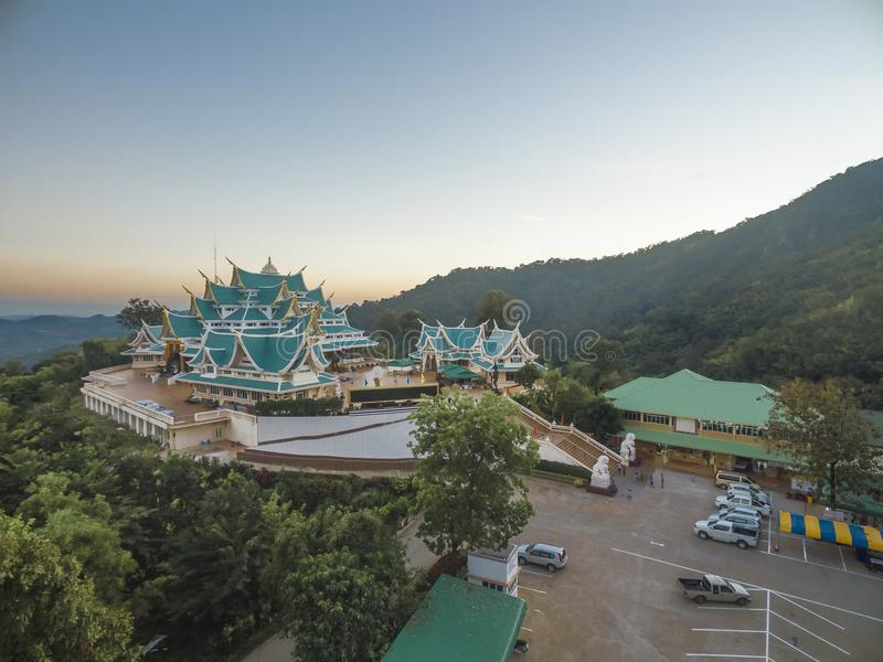 WATA PA PHU KON, Tajlandzka świątynia na górze, Udon Thani, tajlandzki obraz stock