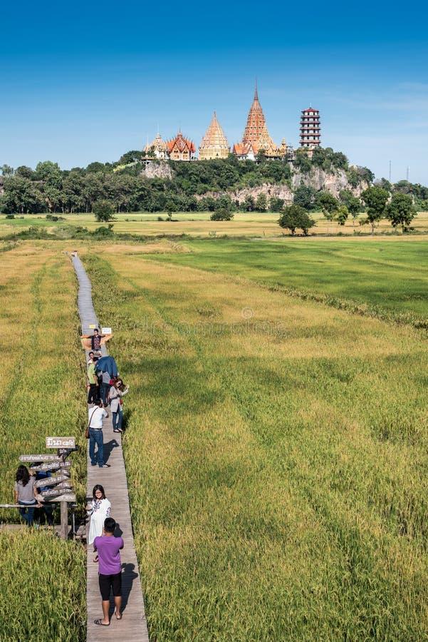 Wata tham sua blisko miasta Kanchanaburi w Środkowym Tajlandia obrazy stock