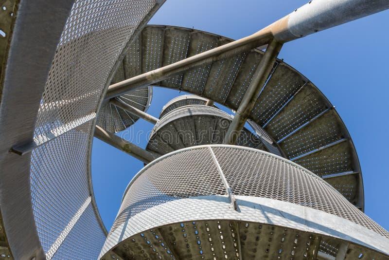Watch-tower van wenteltrappen dichtbij Lelystad-Luchthaven, Nederland wordt gemaakt dat royalty-vrije stock afbeelding