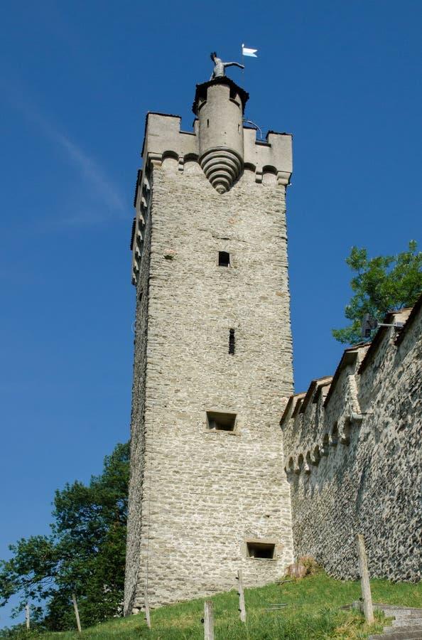 Watchtower bij middeleeuwse vesting in de stad van Luzerne stock fotografie