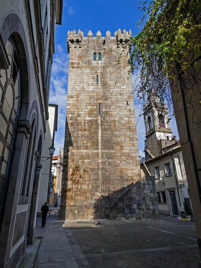 Watchtower eller behåll i Braga castle Resten av slottet och citadellet förstördes i början av 1900-talet royaltyfri foto
