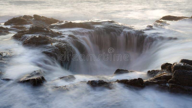 Water die in thor ` s goed stromen royalty-vrije stock afbeeldingen