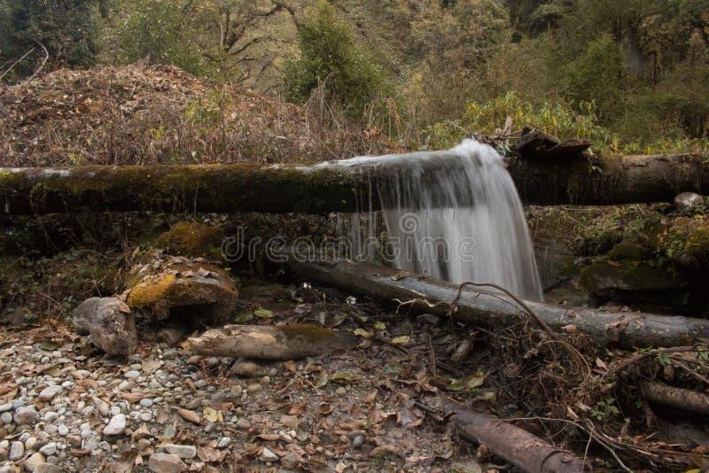 Water die van houten plank barsten stock foto