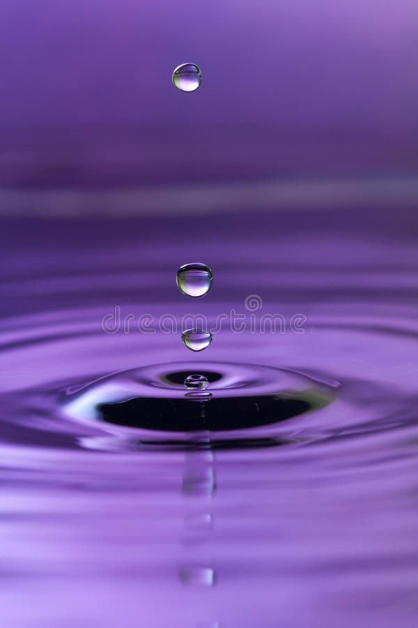 Free Water Drops Royalty Free Stock Photography - 18536007