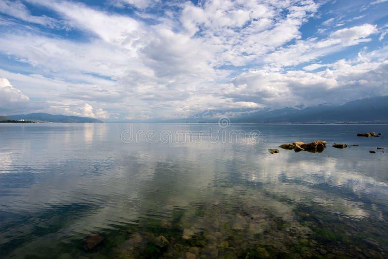 Water en hemel stock foto